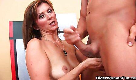 Tinere femei bătrâne conduce pe sex cu femeie matura bancheta din spate