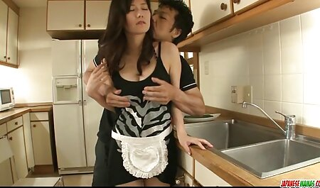 Sarind pe un penis filmespormosgratis mare de soțul ei