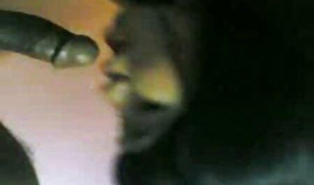 Bruneta femei goale sexi spanked în ambele găuri