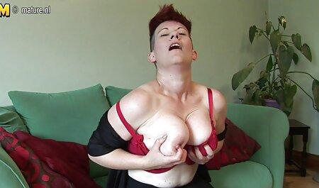 Tanara Krala cu sani mici ia o excursie cu iubitul ei într-un film porno se fute in cur care este frumos