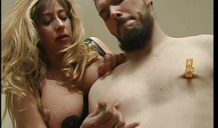 O fată depravată tocmai a fost făcută pentru grupuri de sex clare. fortate xxx