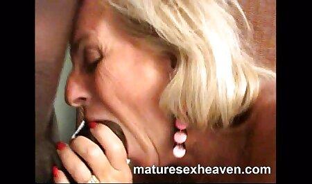 Adolescente cu suculente țâțe devine sex cu fete romance futut