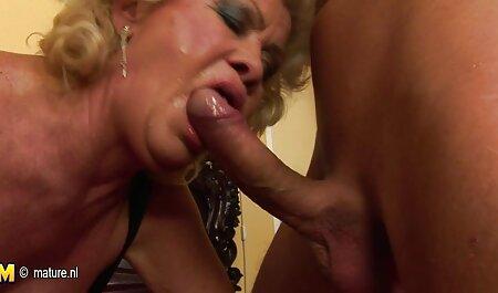 O blondă ascultătoare obeze xxx face o erecție pe iubitul ei.