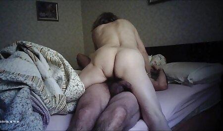 A devenit hoț și s-a încurcat sex cu mame care dorm cu șeful său brutal din birou.